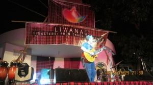 World renowned Filipino singer, Joey Ayala, joined the Liwanag event.